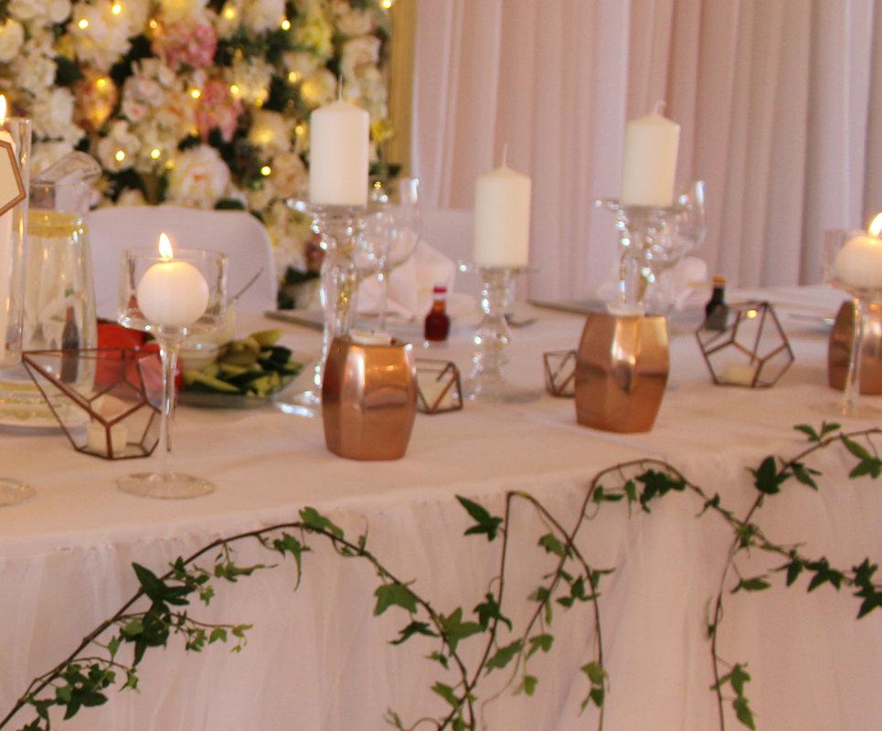 Metāla kapara svečturi