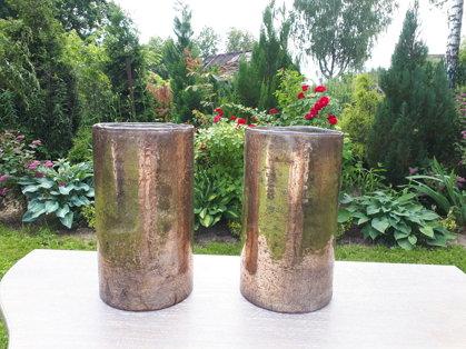 Bronzas krāsas stikla cilindri