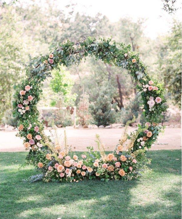 Ziedu arka ar dzīvajiem ziediem